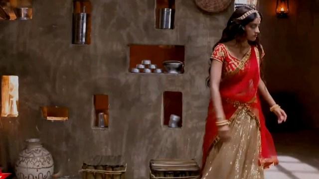 Deepika Singh Hindi TV Actress YTD S1 11 Hot saree caps