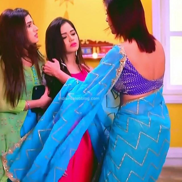 Gauri Pradhan Hindi TV actress TuAS6 Hot backless sari pics