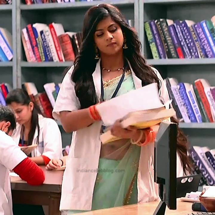Swarda Thigale Hindi serial actress Savitri DCHS3 7 hot sari pics