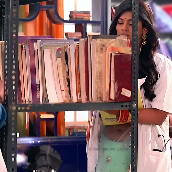 Swarda Thigale Hindi serial actress Savitri DCHS3 8 hot sari pics