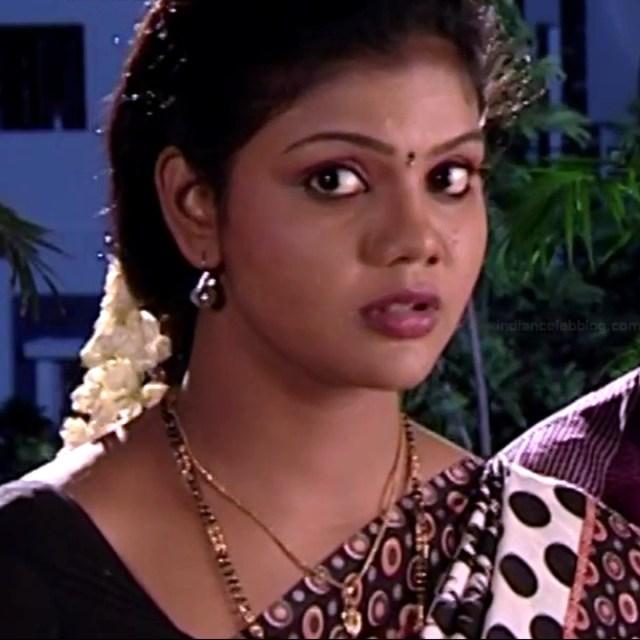 Telugu TV Actress Maa Nanna Art1-S1 4 Hot Saree Caps
