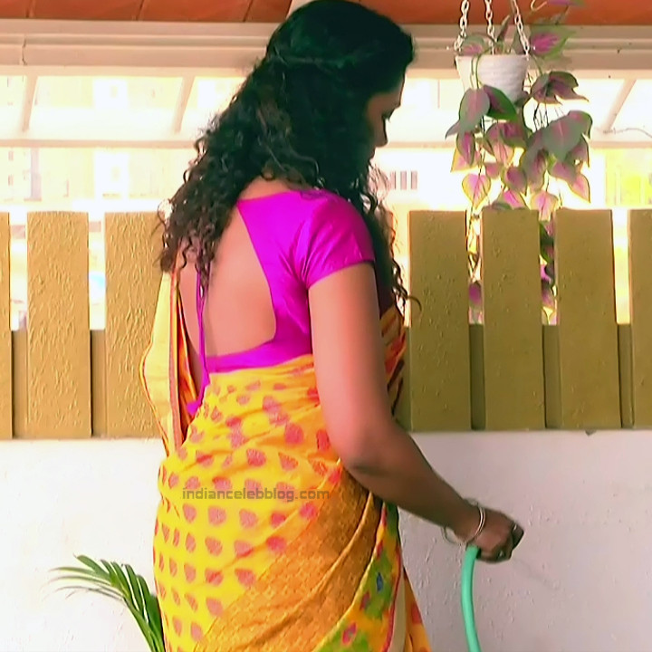 Apoorva Bharadwaj Kannada Serial Sathyam SSS1 2 hot saree photo