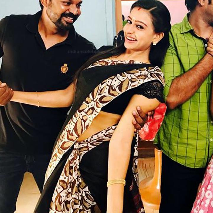 Divya ganesh Tamil serial actress Sumangali S315 hot sari photos