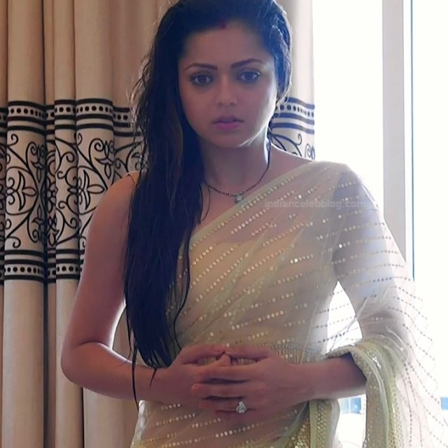 Drashti Dhami Hindi TV actress SilsilaS1 13 hot saree pics