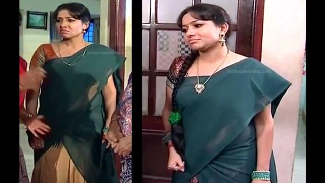 Minnal Deepa Tamil TV actress PonDTS1 5 hot saree pics