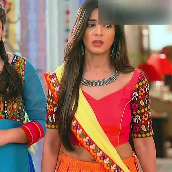 Nikki Sharma Hindi serial actress Roop MKNSS1 17 hot lehenga pics