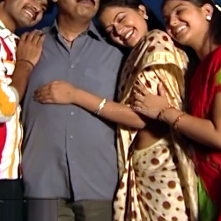 Rachitha Mahalakshmi Saravanan MS1 16 hot saree navel photo