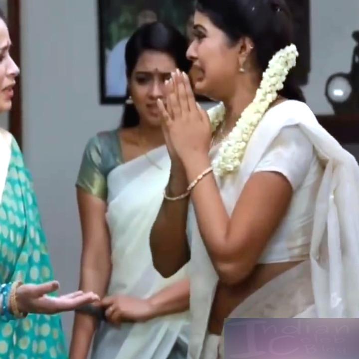 Rachitha Mahalakshmi Saravanan MS1 23 hot saree navel caps