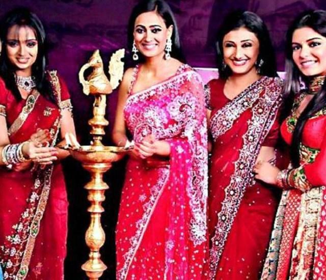 Ragini Khanna Hindi TV Actress CelebTS1 10 hot Saree photos