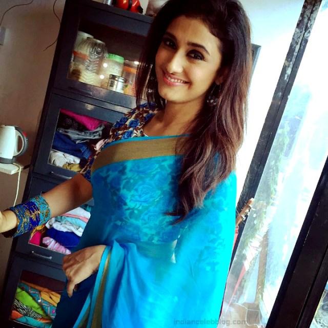 Ragini Khanna Hindi TV Actress CelebTS1 19 hot Saree photos