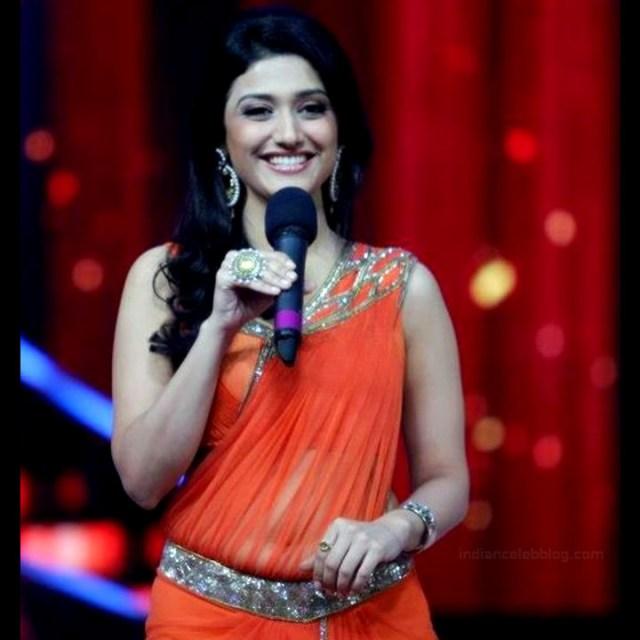 Ragini Khanna Hindi TV Actress CelebTS1 4 hot Saree photos