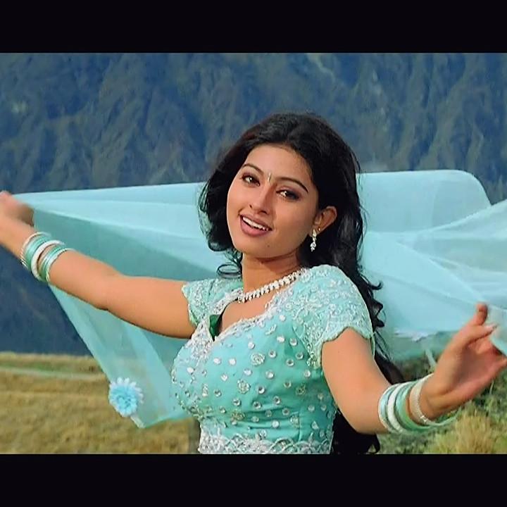 Sneha Tamil Film Actress Hot Movie Stills And Caps