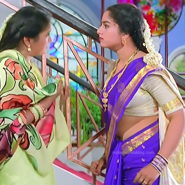 Soundarya Intlo illalu movie S1 8 hot saree captures