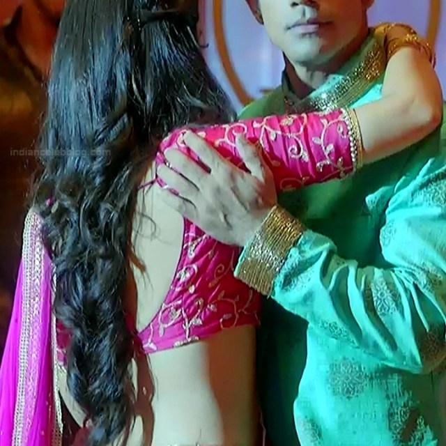 Surbhi Jyoti Hindi TV actress Naagin S1 16 hot backless choli pic