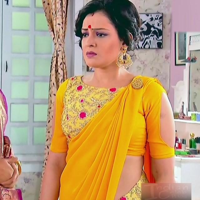 Bengali TV serial actress CompGS1 7 hot saree photo