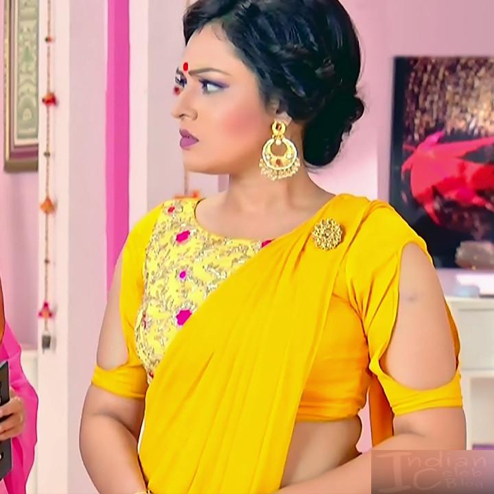 Bengali TV serial actress CompGS1 9 hot saree pics