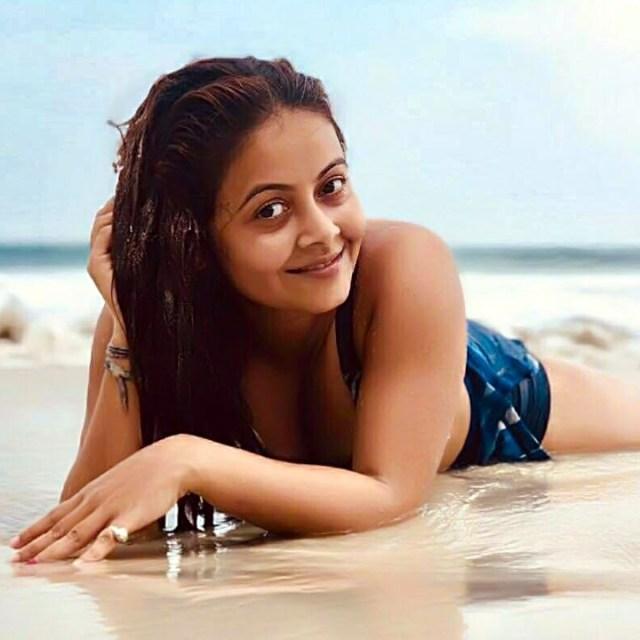 Devoleena Bhattacharjee hindi tv actress CTS2 16 hot swimsuit photo