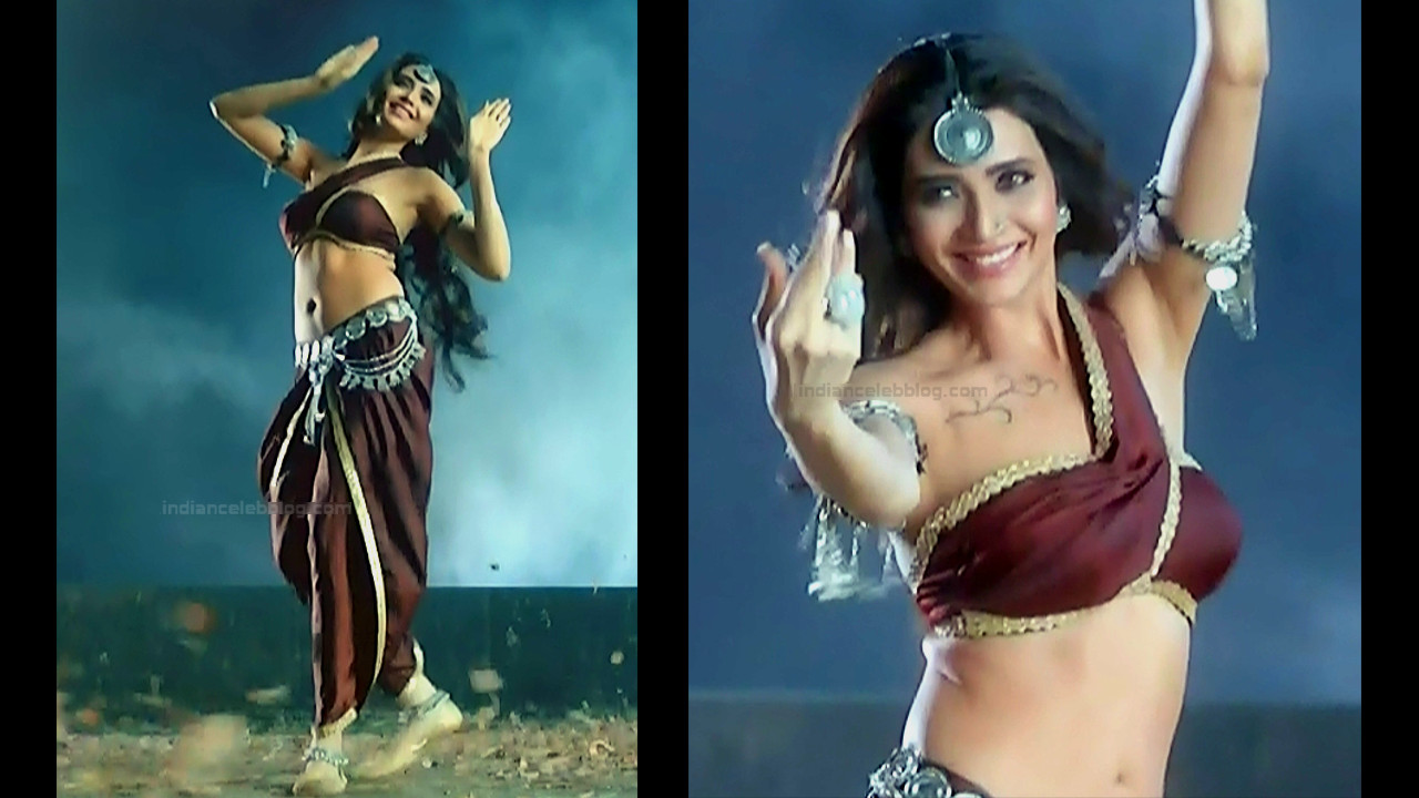 Karishma Tanna Sexy Navel N Cleavage Show Naagin 3 Hd Caps
