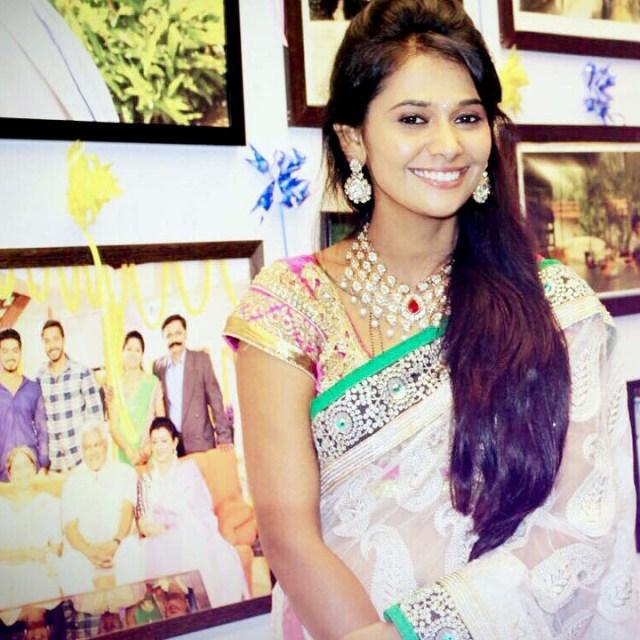 Kavya Gowda Kannada TV actress 10 hot saree photo