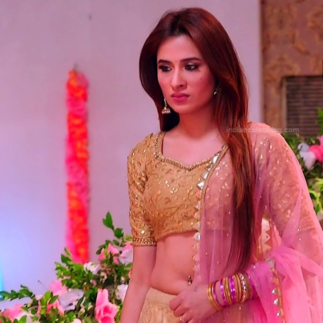Mahira sharma Hindi tv actress Naagin 3S1 12 hot lehenga photo