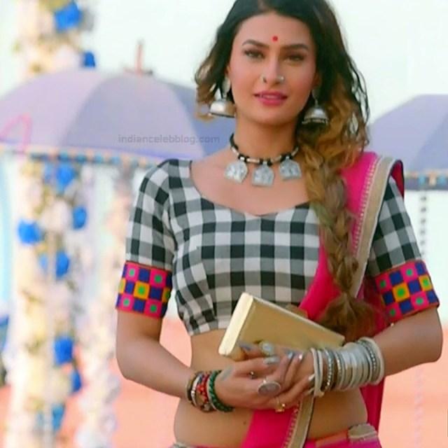 Pavitra punia hindi tv actress Naagin 3S1 3 hot saree photo