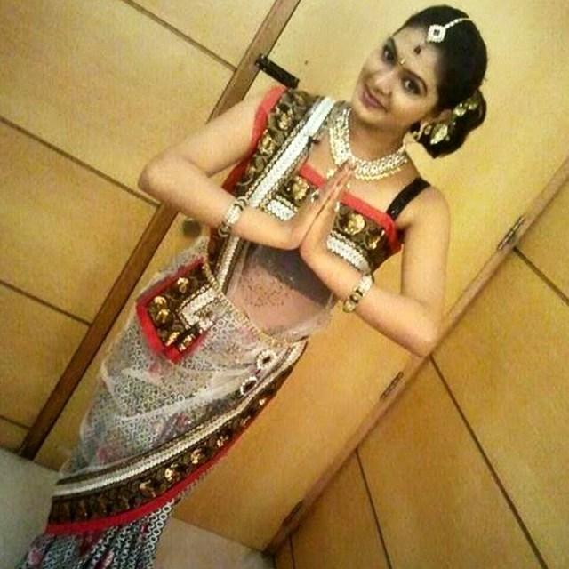 Rachitha Mahalakshmi Tamil TV actress CTS1 13 hot saree photo