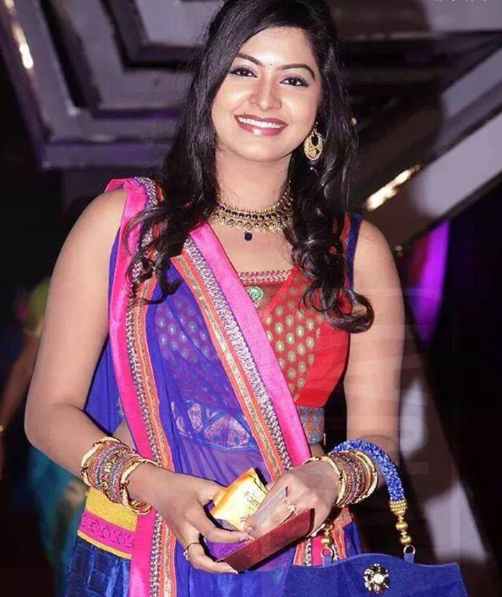 Rachitha Mahalakshmi Tamil TV actress CTS1 14 hot saree photo