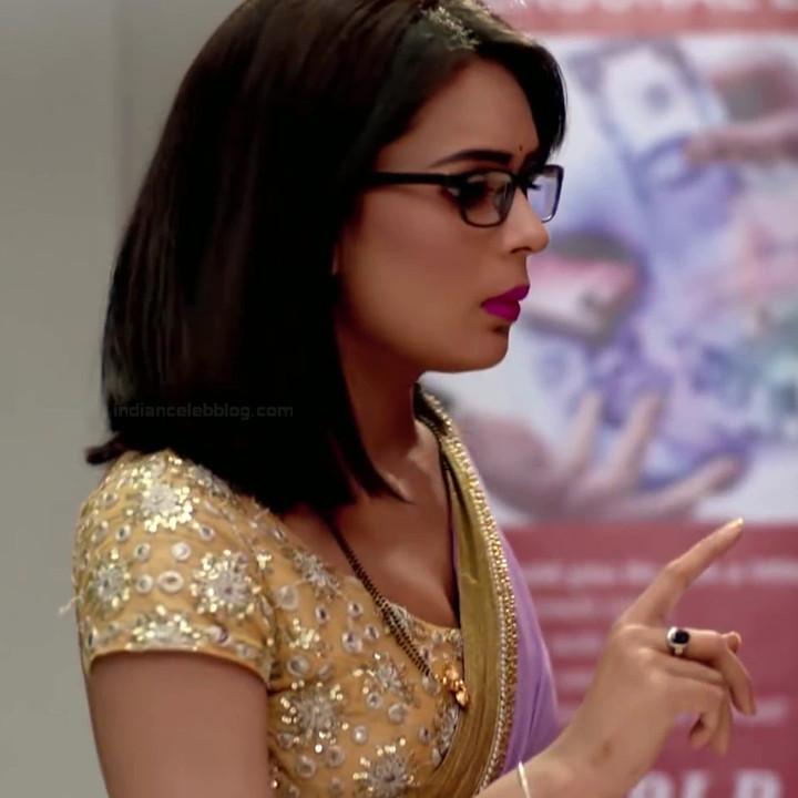 Sonal Vengurlekar hindi tv actress YehVRS8 17 hot saree photo