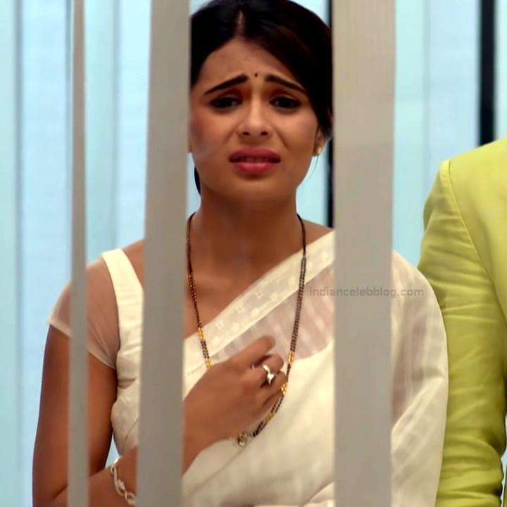 Sonal Vengurlekar TV actress Yeh VRS7 16 hot saree photo