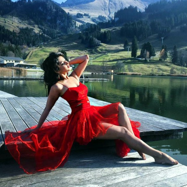 Sonarika Bhadoria Hindi TV actress CTS2 10 hot glamour photo