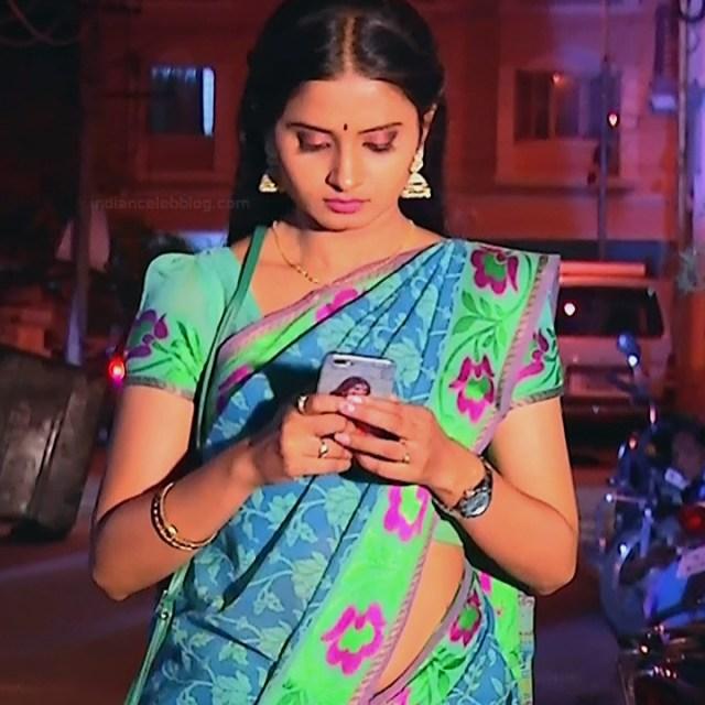 Varshini tamil tv actress sumangali S1 14 hot saree photo