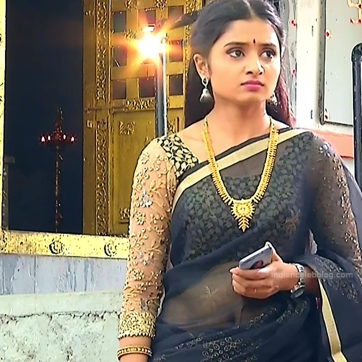 Varshini tamil tv actress sumangali S1 9 hot saree photo