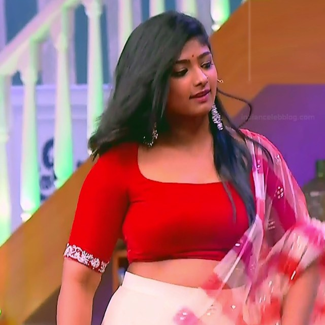 Bhoomi Shetty tv actress Kinnari S3 11 hot reality show photo
