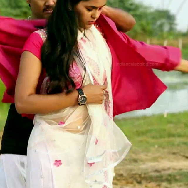 Chaitra reddy Tamil tv actress Yaarudi NMS1 13 hot saree photo