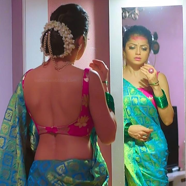 Drashti dhami hindi tv actress Silsila BRKS3 3 hot backless saree photo