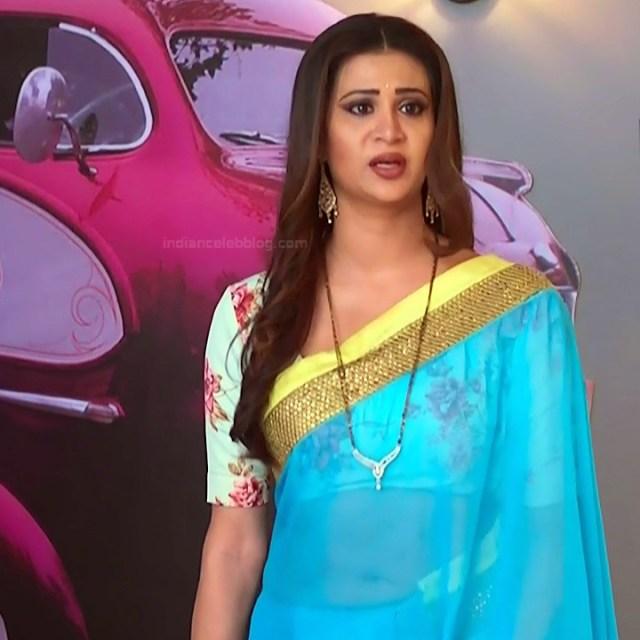Parineeta borthakur hindi tv actress Bepannah S1 17 hot saree navel pics