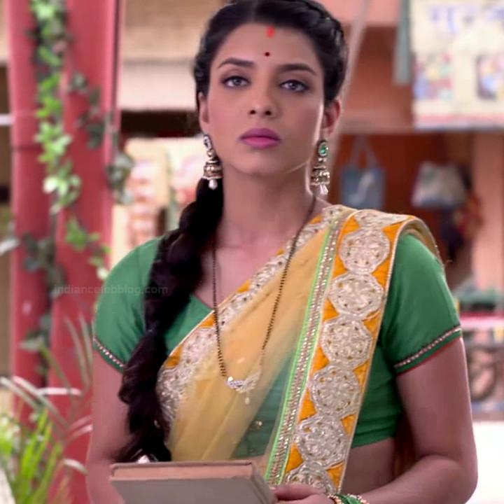 Riya deepsi hindi tv actress begusarai S1 12 saree photo