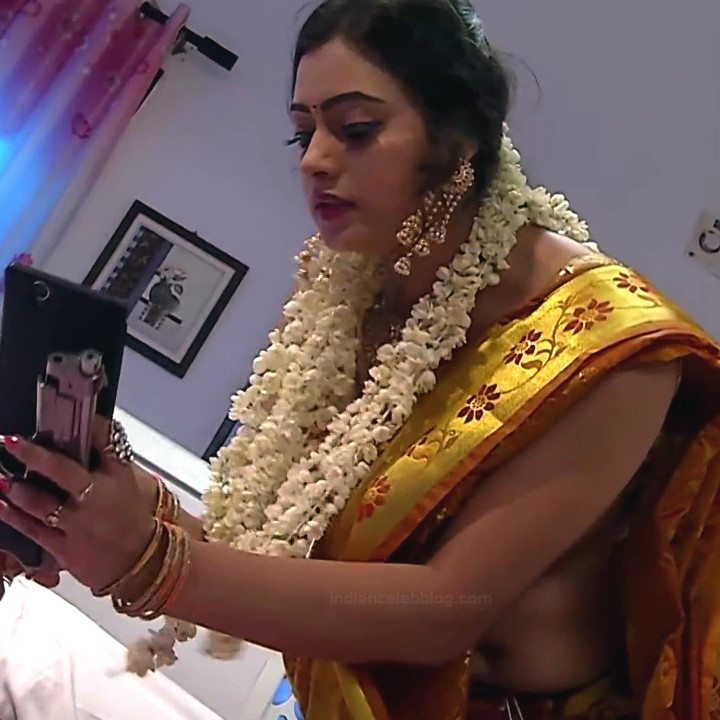Sowmya rao Tamil tv actress Nenjam MS1 18 hot saree navel caps