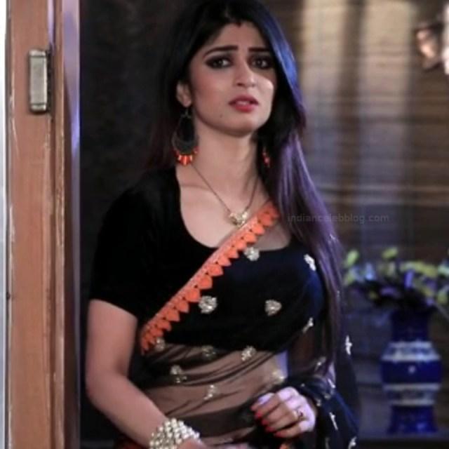Aditi prabhudeva kannada tv actress Nagakannike S1 18 saree navel caps