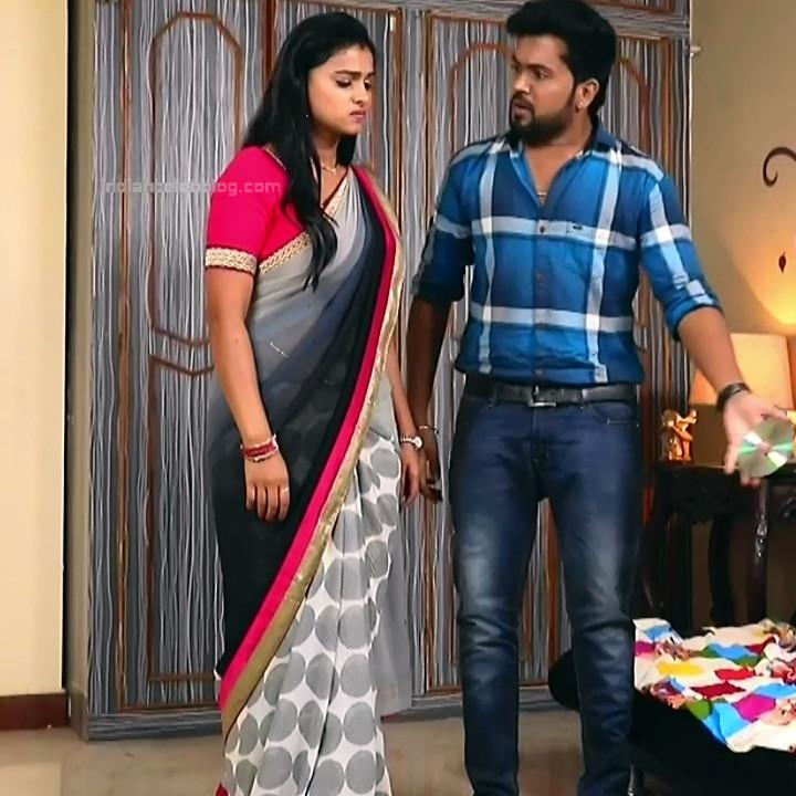 Kavitha tamil tv actress Neeli S1 8 hot sari photo