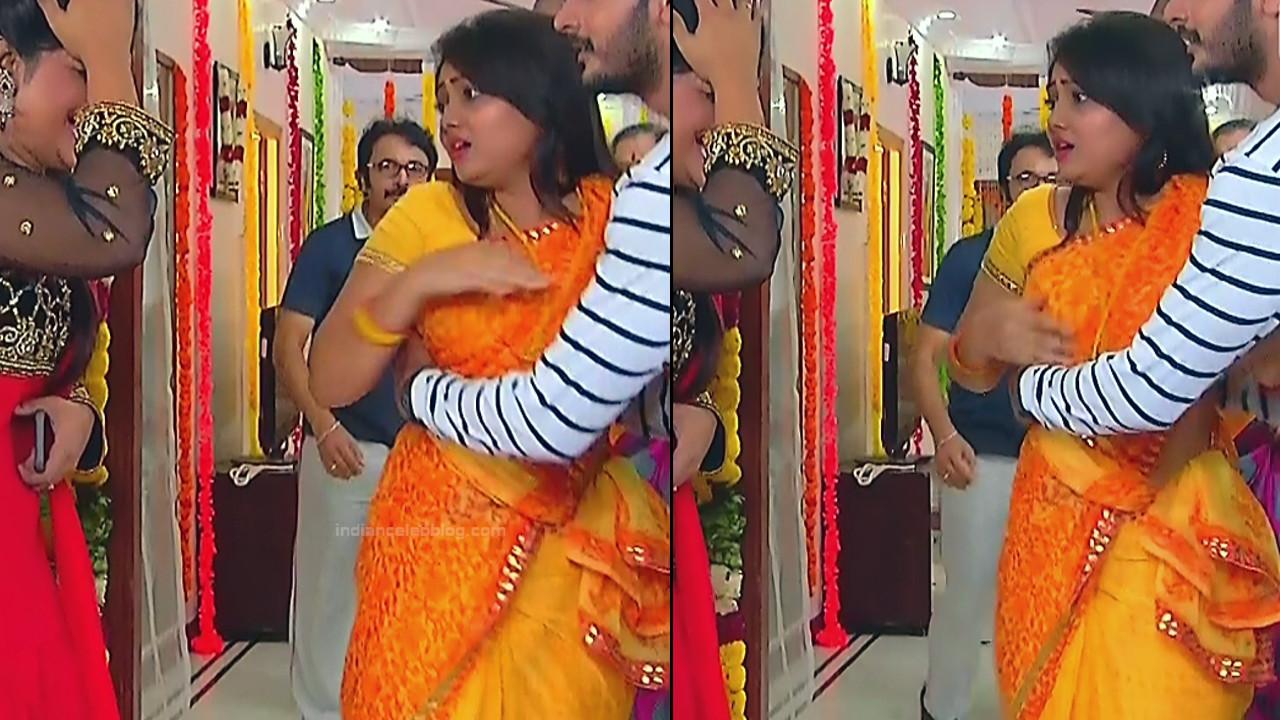 Priyanka nalkar tamil serial actress roja s1 11 saree caps