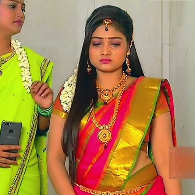 Priyanka nalkar tamil serial actress roja s1 23 saree photo