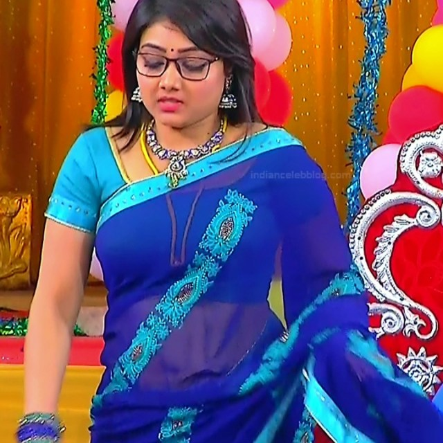 Priyanka nalkar tamil serial actress roja s1 7 saree photo