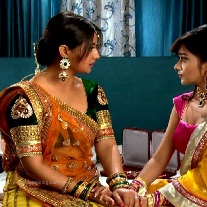 Rashami Desai hindi tv actress Uttaran S1 24 saree pics