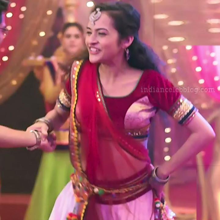Aanchal goswami hindi TV actress Bepannah S1 8 hot lehehga photo