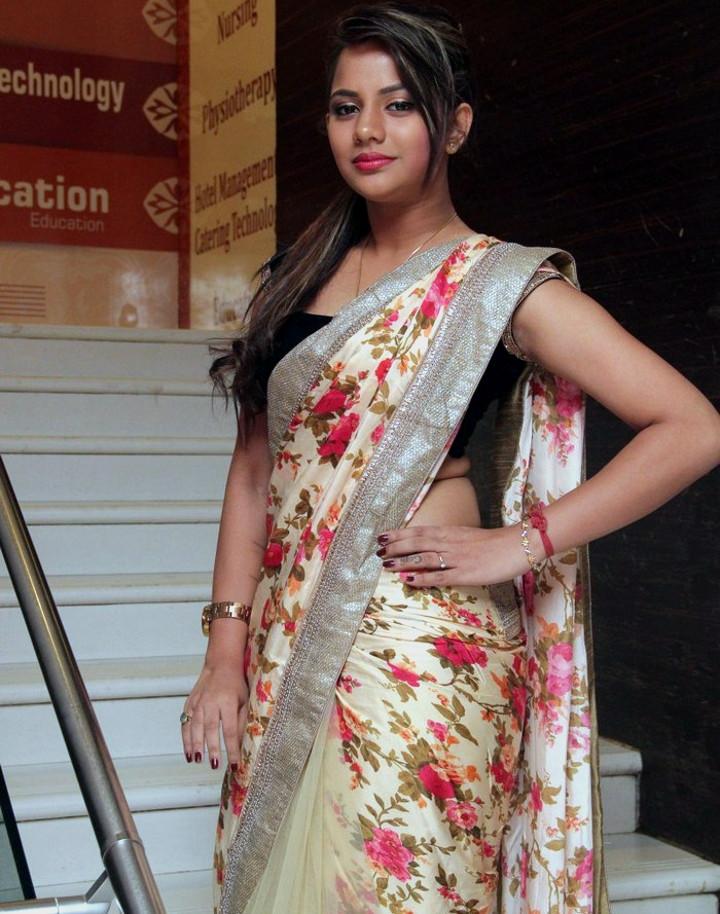 Aishwarya dutta tamil actress stills S1 8 hot sareephoto