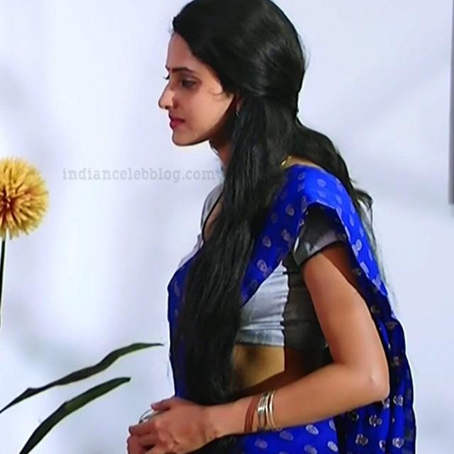 Ayesha tamil TV actress Maya S1 10 hot saree photo