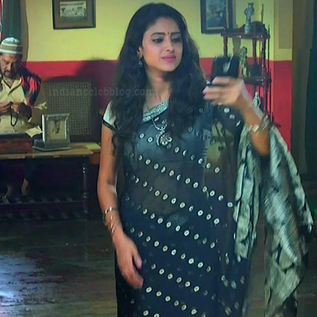 Ayesha tamil TV actress Maya S1 12 hot saree photo