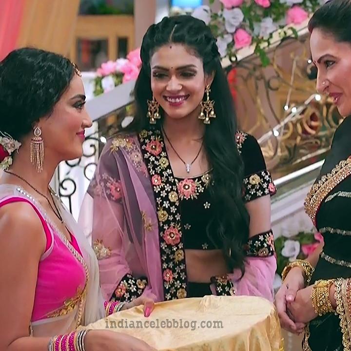 Charvi saraf hindi tv actress Naagin 3S1 2 hot lehenga caps