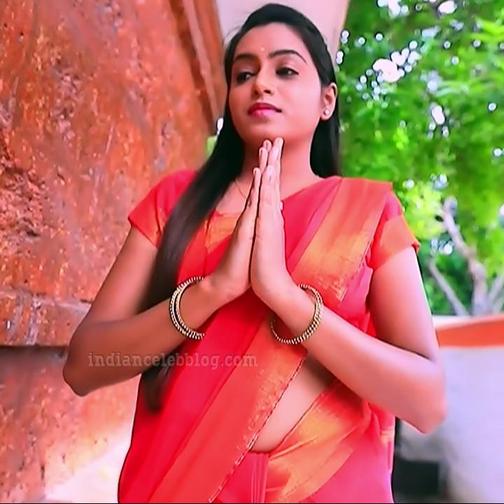 Deepika aradhya kannada TV actress Bili Hendthi S1 10 Sari photo